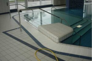 Bazénové rošty na míru